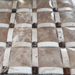 رومی شکلاتی با دکمه گردویی